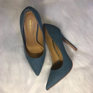 5c114e3db8dd 🚨SOLD on Depop🚨Denim pointed pumps.